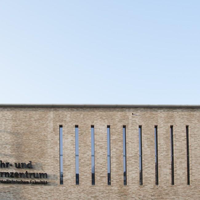 2014; Lehr- und Lernzentrum; Medizinische Fakultät AD:2016; ANa:Thissen; ANr.: 13098